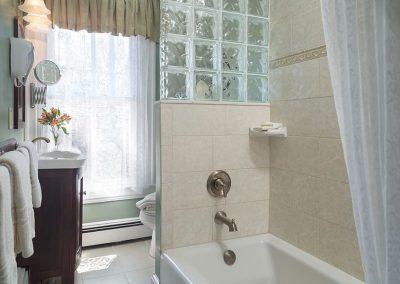 Prince of Wales Bathroom- The Queen Victoria