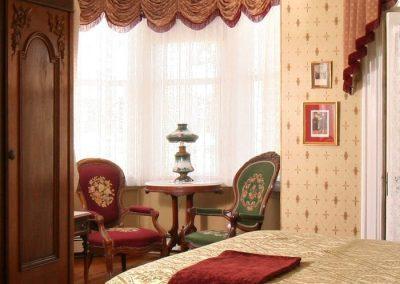 queen-victoria-room-gallery01
