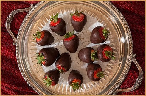 Queen Victoria Cape May New Jersey. Bed and Breakfast. Picture of chocolate strawberries.