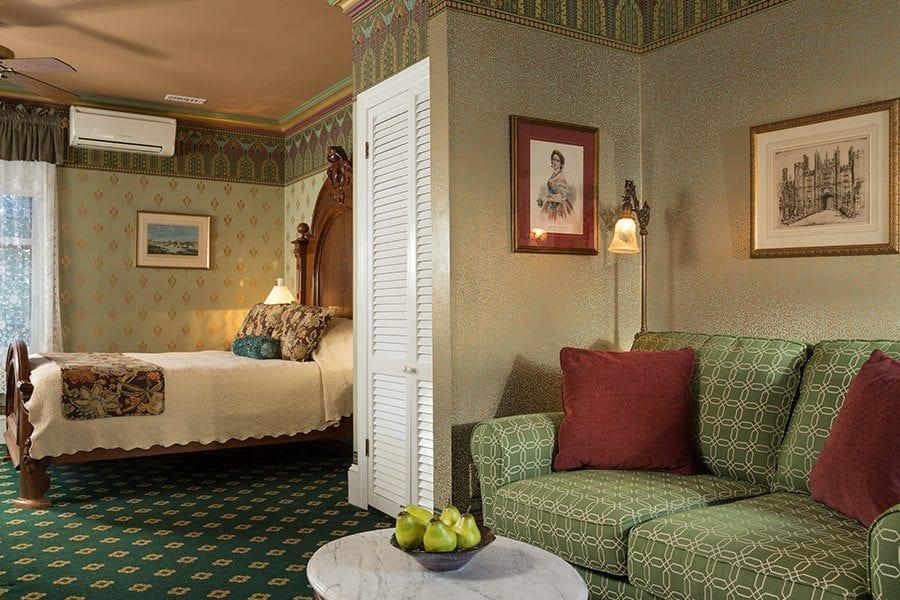 Hampton Court Room - Queen Victoria B&B