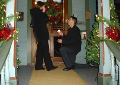 Guest Photos- Man proposing to woman in front of the Queen Victoria
